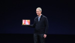 Tim Cook presenteert nieuwe MacBook