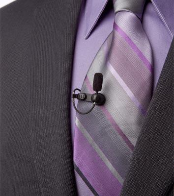 Revers-microfoon op een stropdas