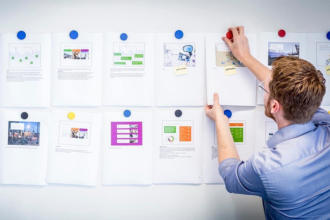 Storyboard voor een bedrijfspresentatie wordt gemaakt