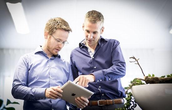 Oprichters Arnout Drenthel en Joeri Cox