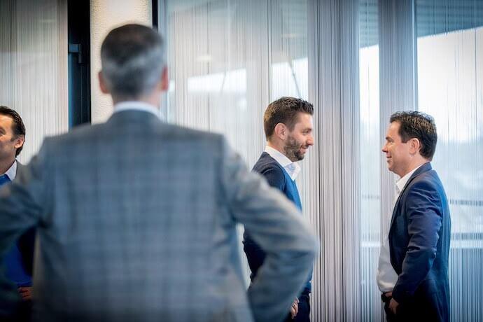 Training van sales team voor verkooppresentatie